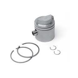 OMC zuiger 9,9/15 pk 81-92. Wordt geleverd inclusief zuigerveren en pin. Maat: 2.188″ standaard zuiger . Bestelnummer:GLM2